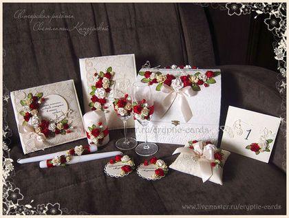 Купить или заказать Папка для свидетельства о заключении брака 'Красные розы' разные цвета в интернет-магазине на Ярмарке Мастеров. Папка для свидетельства о браке, размер 27*20см, великолепно украсит Вашу свадьбу и станет замечательным местом хранения первого семейного документа. уголочки для крепления свидетельства и фото 15*20…