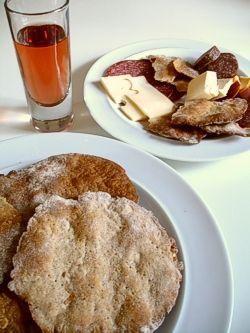 Schüttelbrot - Thin, crisp rye flatbread