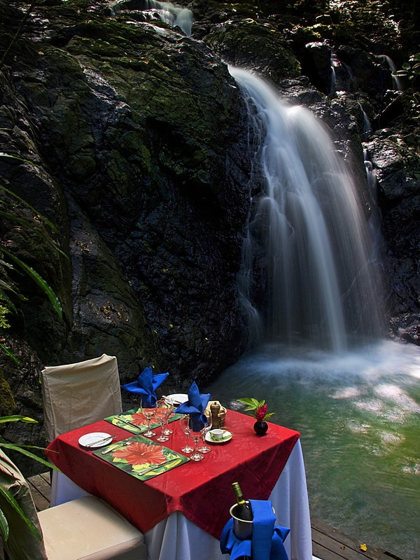 Waterfall lunch? All a part of the all-inclusive Namale Resort & Spa experience. #namaleresort #yourfavourite getaway