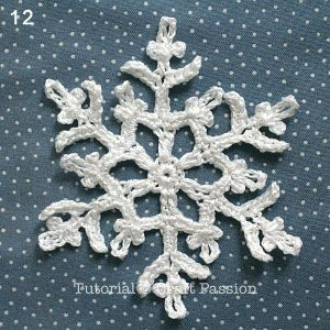 Crochet pattern and tutorial on how to make a Snowflakes Coasters by using lace thread and felt. Spice up the Christmas Table with a set of them. – Page 2 of 2