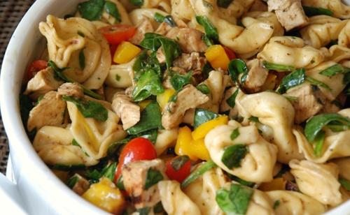balsamic chicken, spinach and tomato pasta saladTomatoes Paste, Chicken Salad, Pasta Salad, Pasta Dishes, Chicken Pasta, Spinach, Balsamic Chicken, Chicken Breast, Tortellini Salad