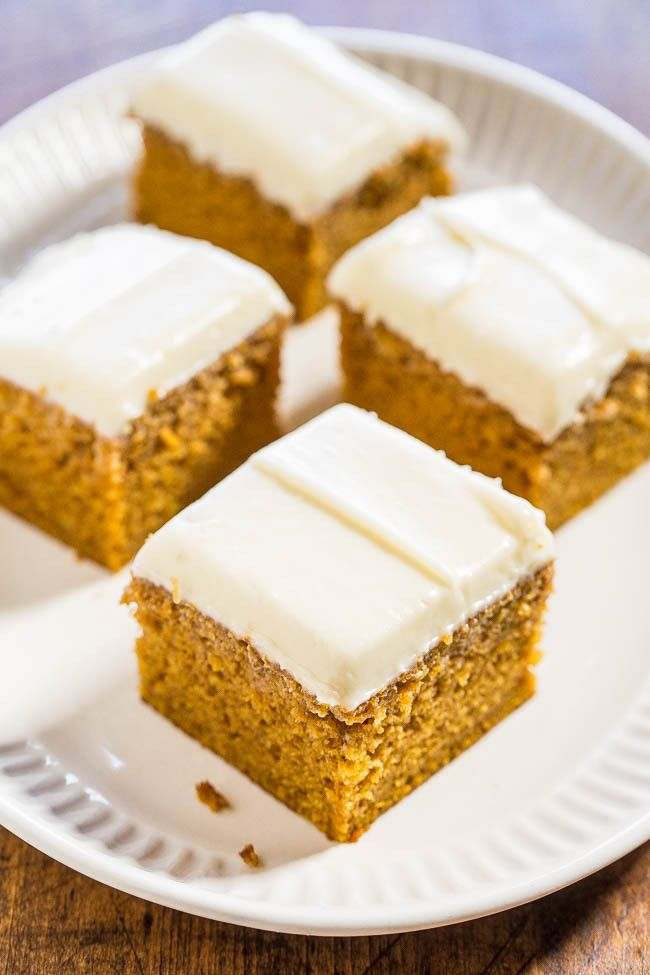 Easy+Pumpkin+Spice+Cake+with+Cream+Cheese+Frosting+-+Soft,+moist,+and+bursting+with+pumpkin+flavor!+You'll+want+the+frosting+by+the+spoonful!!+(who+needs+the+cake+when+there's+luscious+cream+cheese+frosting!)