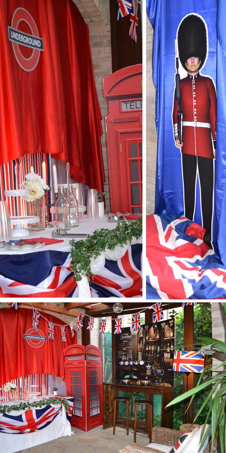 London Calling! nel pub Londinese si beve birra e si assaporano cupcake in puro stile British.Non poteva mancare la Guardia Reale e la tipica Cab phone!