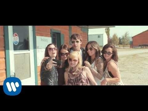 ▶ James Blunt - Bonfire Heart [Official Video] - YouTube
