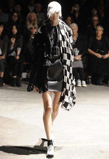 Men's fashion from Japan. PARIS COLLECTION | COMME DES GARCONS | COLLECTION WWD JAPAN.COM