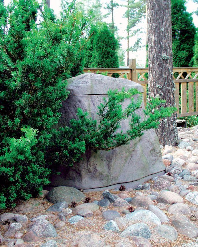 Biolan Maisemakompostori Kivi on tarkoitettu puutarha- ja keittiöjätteen kompostointiin omakotitaloissa ja vapaa-ajanasunnoilla. Reilun kokonsa ansiosta se soveltuu hyvin puutarhajätteen sekä kesämökin käymäläjätteen kompostointiin. Luonnonkiven värinen Maisemakompostori sulautuu osaksi ympäristöään ja sopii näin pieneenkin pihaan.