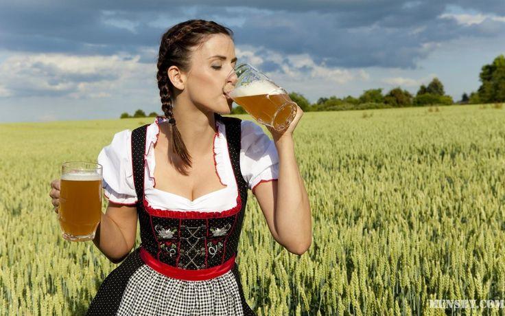#любовь #пиво #бесценна Любовь — это как единственная бутылка пива в доме, случайно найденная в холодильнике на утро после бурной пьянки. Она бесценна.