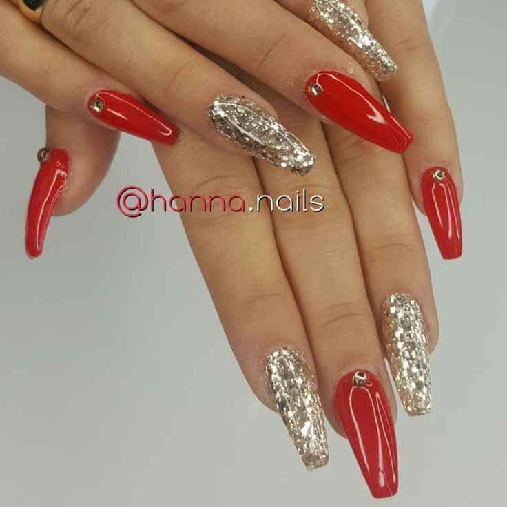 Christmas Nails. Red and Gold Nails. Gold Glitter Nails