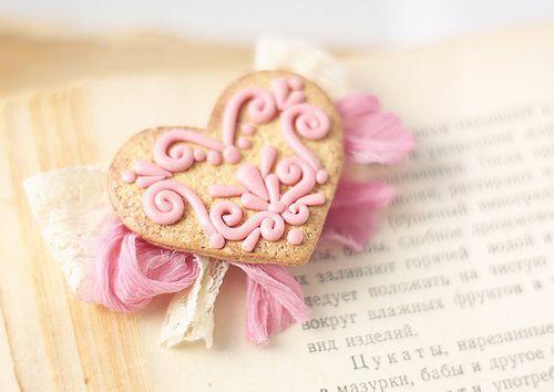 Sweet Heart: Pinky Scrollwork, Valentines Cookies, Christmas Cookies, Heart Cookies, Pink Heart, Heart Food, Decor Cookies, Valentines Day, Pink Cookies