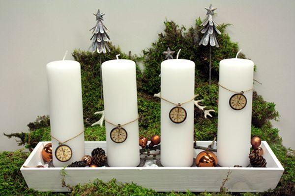 http://holmsundsblommor.blogspot.se/2013/11/en-lugn-och-gra-advent.html Adventsljusstake med urtavlor klockan 1-4