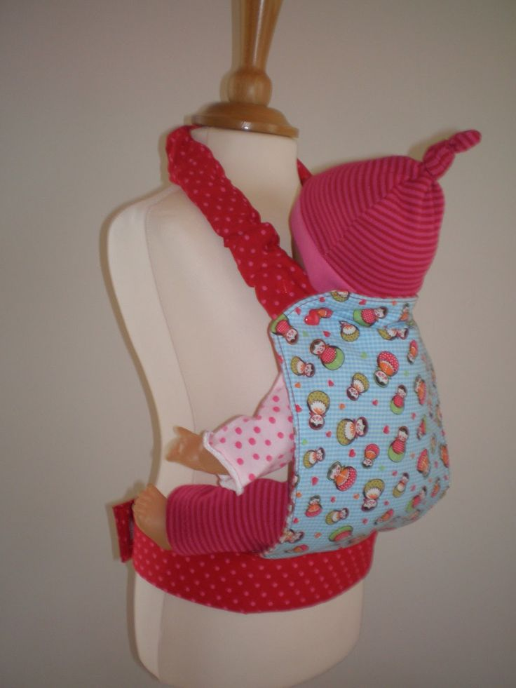 ist noch einmal ein bisschen was entstanden... Hier hab ich für meine kleine Nichte ja schon einmal Puppenkleidung und eine Bauchtrage g...