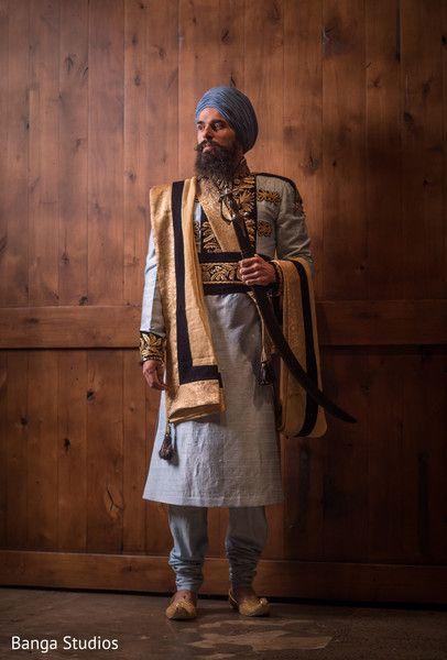 Groom Fashion http://www.maharaniweddings.com/gallery/photo/76006 @bangastudios