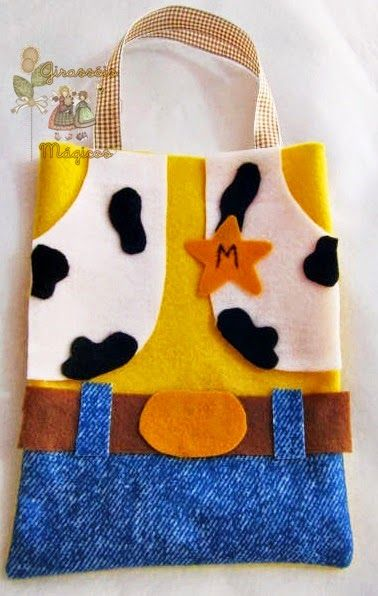 Toy Story Woody inspired tote bag. Blog is in Spanish.
