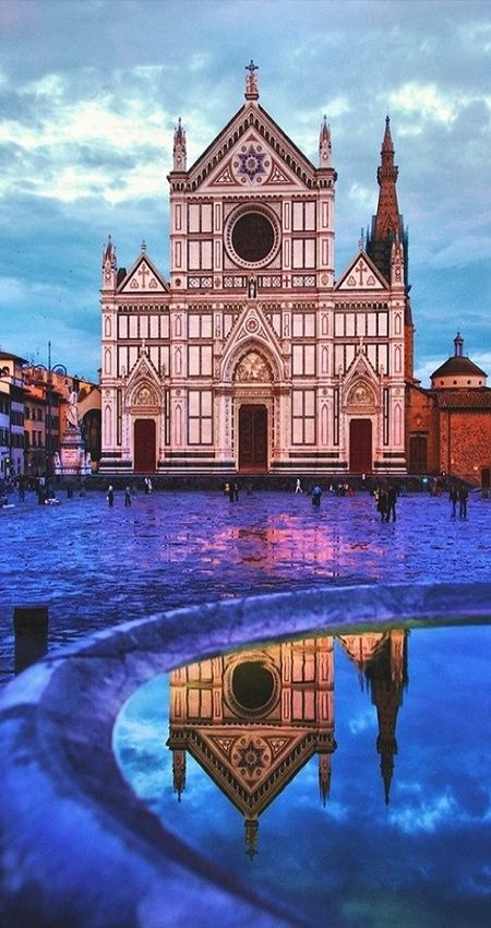 Basilica of Santa Croce, Florence >>> Look at this photo I can't help but smile. I stayed in Florence for a month last year and was right around the corner from this church and square. So many memories made right on those church stairs!