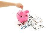 #Comparateur d' #assurances : Quelle #assurance souscrire pour une meilleure #optique? Votre #mutuelle #sante vous rembourse vos #lunettes ou vous indemnise sur la base d'un montant forfaitaire. #Astuces sur le #blog du #comparateur malin #CompareDabord : http://www.comparedabord.com/blog/frais-bancaires/article/quelle-assurance-souscrire-pour-une-meilleure-optique