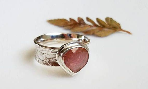 Pink Sapphire Ring with Leaf-Etched Band