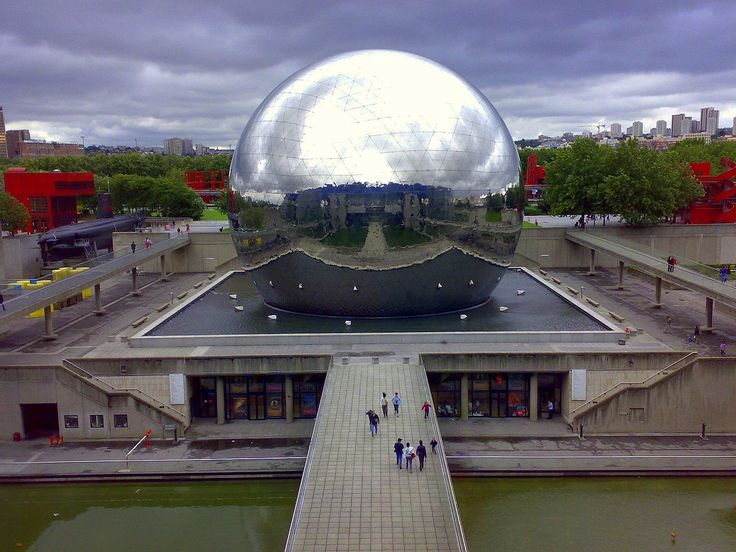 #Знаете_ли_вы, с какой целью в Париже возвели гигантский зеркальный шар? https://www.facebook.com/FAQinDecor/posts/389003871287788 #FAQinDecor #design #decor #architecture #interior #art #дизайн #декор #архитектура #интерьер