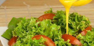 Prepara un ligero aderezo de mostaza y yogur ¡Excelente para ensaladas!