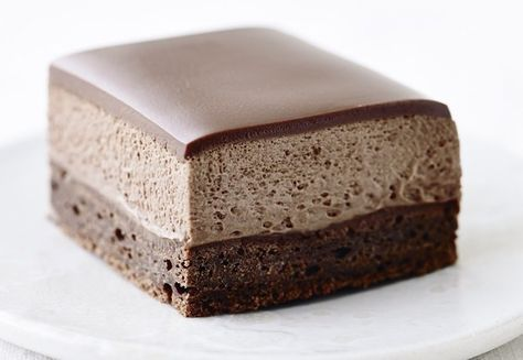 Kage med chokolade, kaffesirup og kaffe-chokolademousse