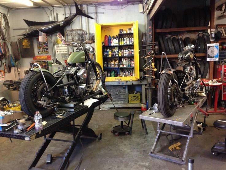 78 images about garage on pinterest american pickers workbenches and sheds - American motorbike garage ...