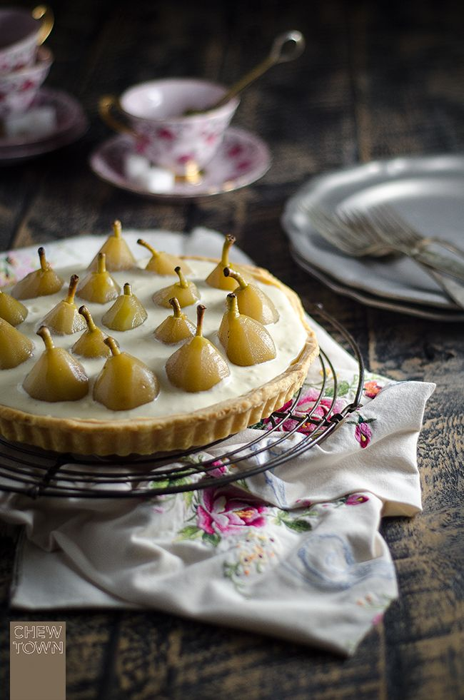 Poached pear and mascarpone tart