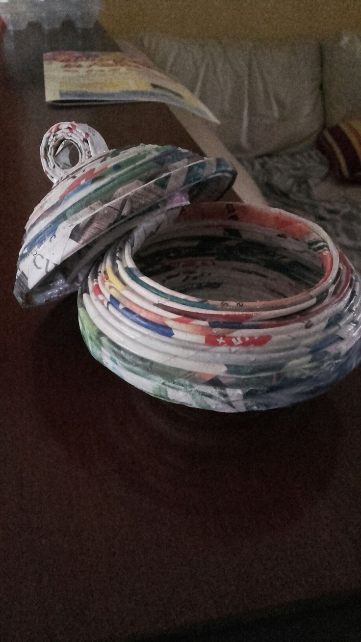 contenitore con cannucce di carta