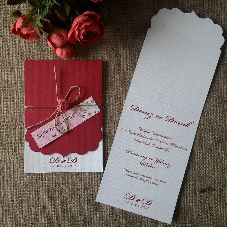 Masal Davetiye Kırmızı Vintage Düğün Davetiyesi, Zarfsız üründür. Dekor baskılı isimlik, ip ve çiçek aksesuarlıdır.