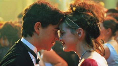 Sometimes, As Adults, It's Okay to Talk About Prom - http://www.luvhan.com/sometimes-as-adults-its-okay-to-talk-about-prom/