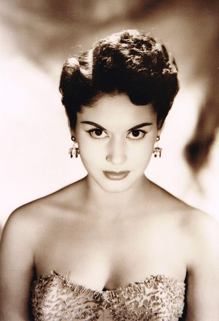 R.I.P. September 12, 1934 – October 24, 2013. Ana Bertha Lepe, one of the best Mexican actresses during the Mexican Golden Era of film. #RIPAnaBerthaLepe #Mexican #actress