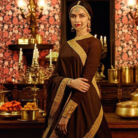 Mithumiya collection and the setup itself define that this is inspired by some historical era like Mugal Era.