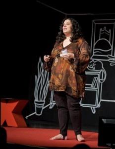"""LEONE ROSS - NAJSILNEJŠÍ ZÁŽITOK Z TEDx BRATISLAVA 2011. Tento rok na mňa jednoznačne najkúzelnejšie zapôsobila londýnsko-jamajská spisovateľka Leone Ross. Priznám sa, že som o nej nikdy predtým nepočul. Jej téma bola """"5 vecí, ktoré ma písanie naučilo o živote"""" a bola úžasná..."""