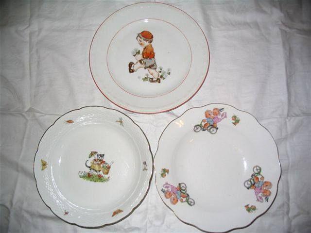 Dětské talířky - Dětské talířky. Ten nahoře je z roku 1955, ty dole jsou z roku 1975.
