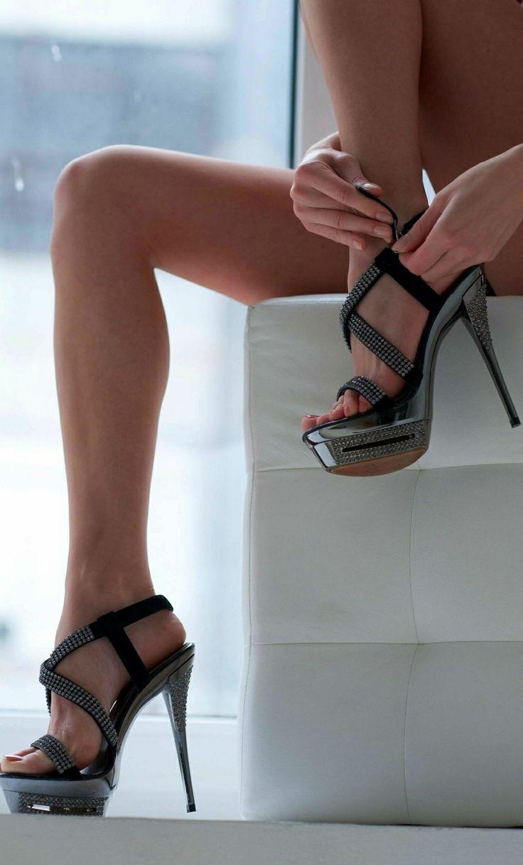 Beautiful ladies their gorgeous heels heels that impress