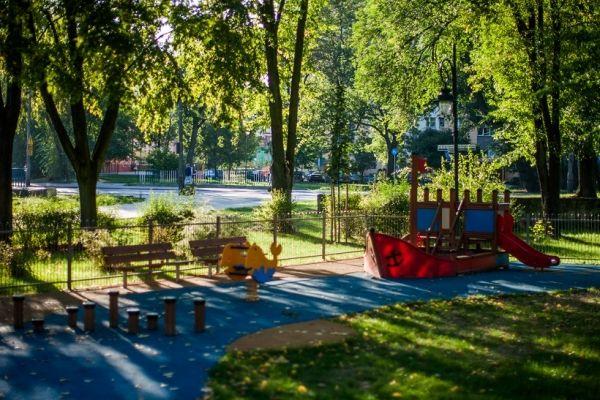 Mały Statek w radomskim parku Leśniczówka