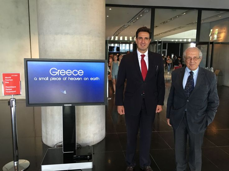 GNTO Secretary General Dimitris Tryfonopoulos and Acropolis Museum President Dimitris Pantermalis at the Acropolis Museum on World Tourism Day.