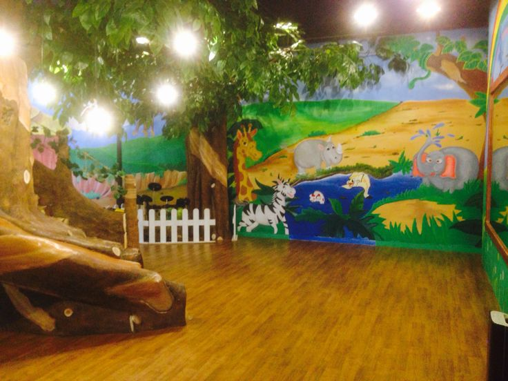 Animal wall mural Ltcc kids church