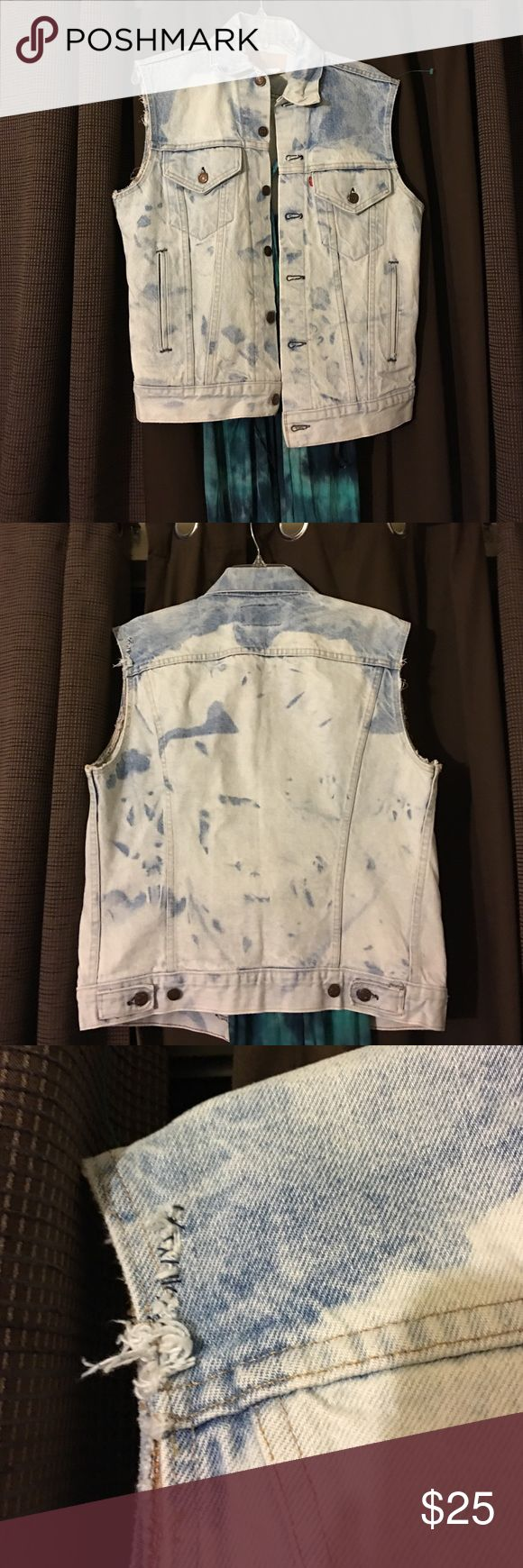 Levis vest vintage Levi's vest .... Tye dye denim great for the summer to wear over dresses ... Size on tag says 33 but I wear a large in shirts Jackets & Coats Jean Jackets