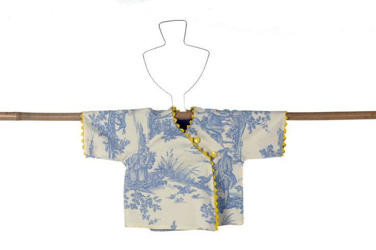 babykimono in Oriental Blue.
