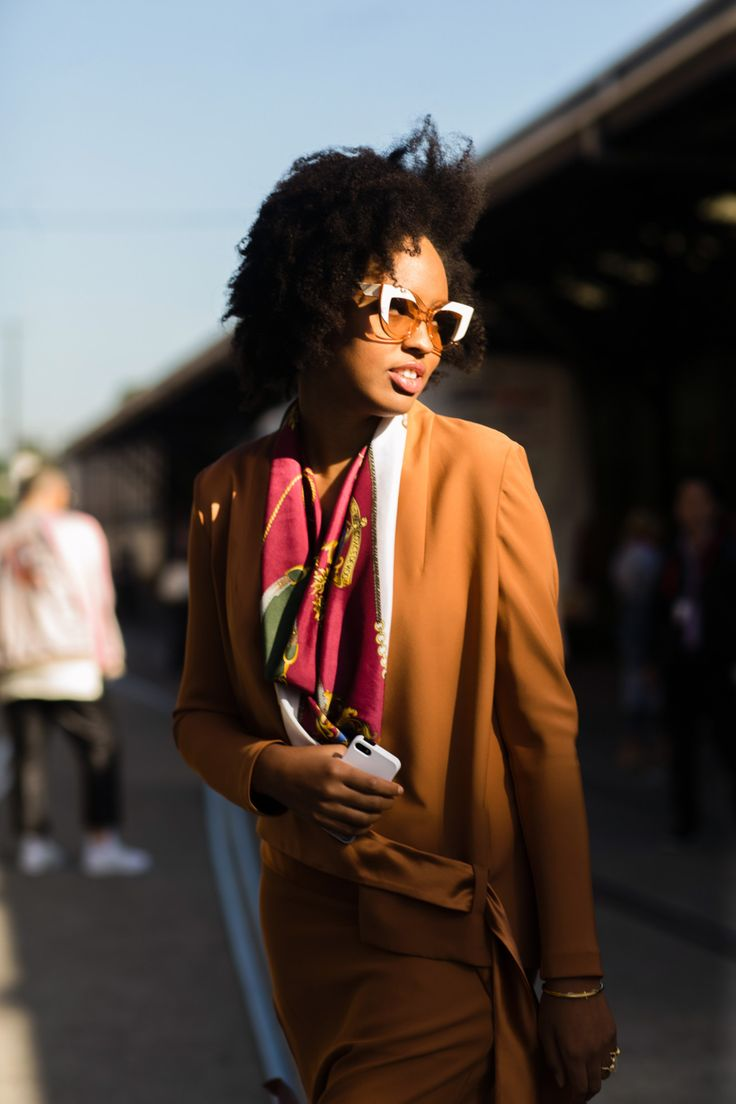 Street style at Australia Fashion Week 2016 | Retro sunglasses [Photo: Melodie Jung]