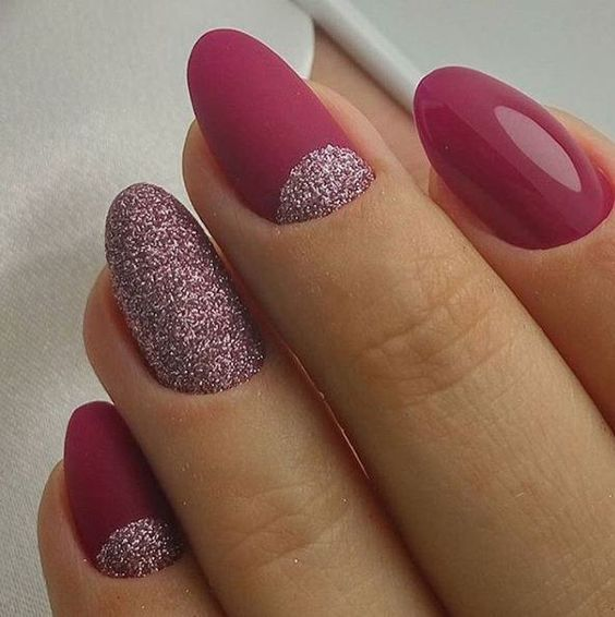 Rose nails with glitter - LadyStyle