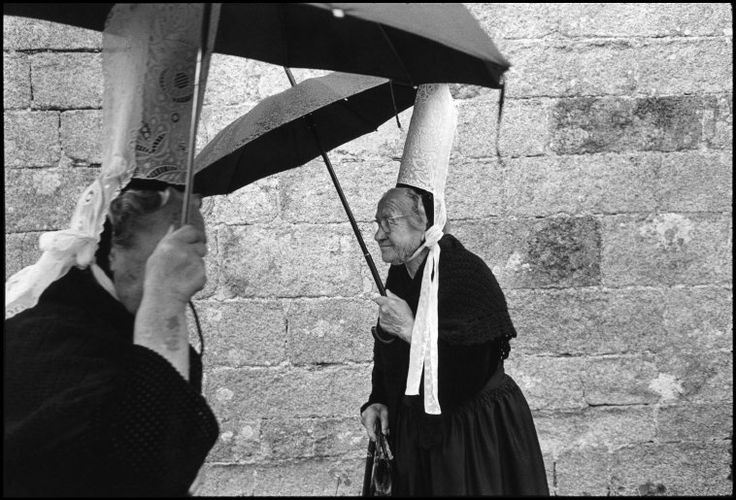 Guy Le Querrec  FRANCE. Brittany. Finistere department. Penmarch. Pardon of the chapel of La Madeleine. Sunday 24th July, 1977.