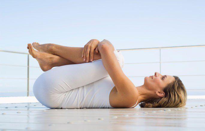 Muskeln stärken, Haut straffen - Ja, Sie können auch ohne Diät in Form kommen! Wenn Sie auf den nächsten Seiten stöbern und täglich mindestens zehn Tipps nachmachen, begrüßen Sie den Sommer mit einem flachen Bauch!