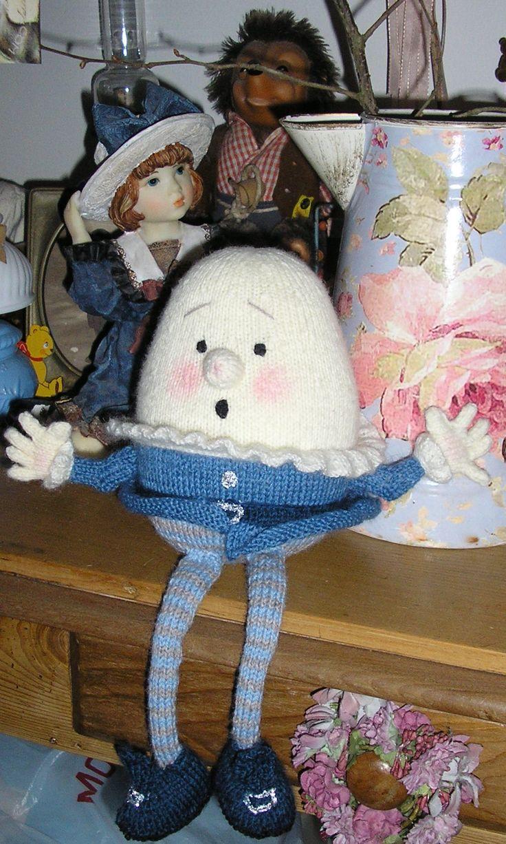Humpty Dumpty Knitting Pattern : 1000+ images about Humpty Dumpty on Pinterest Humpty dumpty, Nursery rhymes...