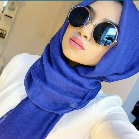 blue mirror sunglasses with hijab- How to wear sunglasses with hijab http://www.justtrendygirls.com/how-to-wear-sunglasses-with-hijab/