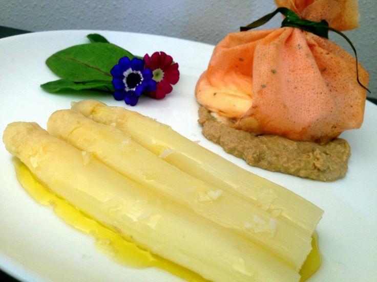 La Cocina de la Silbi: SAQUITO BRICK DE TOMATE Y ALBAHACA CON ESPÁRRAGO D...
