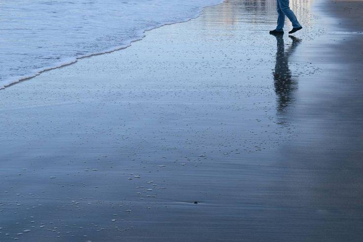 Ahora que no estás duele el tiempo   tan fuerte, tan despacio...  #poesia #poetry #poem #poema #landscape  #nature #wild #free #sea #beach #waves #reflections #playadelaconcha #laconcha #sansebastian #donostia #paisvasco #basquecountry #vsco #vscocam #tuesday #morning