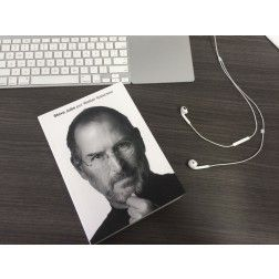 "Livro ""Steve Jobs"" (biografia autorizada), por Walter Isaacson"