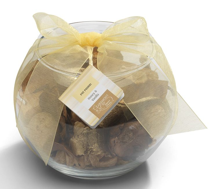 The ultimate home fragrance gift line. Glass bowls filled with Claremont & May Pot Pourri which is created and blended with only the finest ingredients, then completed with a colourful organza bow.