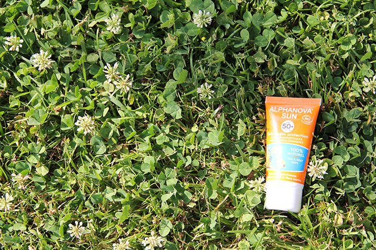 Protección solar Alphanova Sun con filtros minerales que no penetran en la piel. Fórmulas naturales y biodegradables. Alta protección solar.