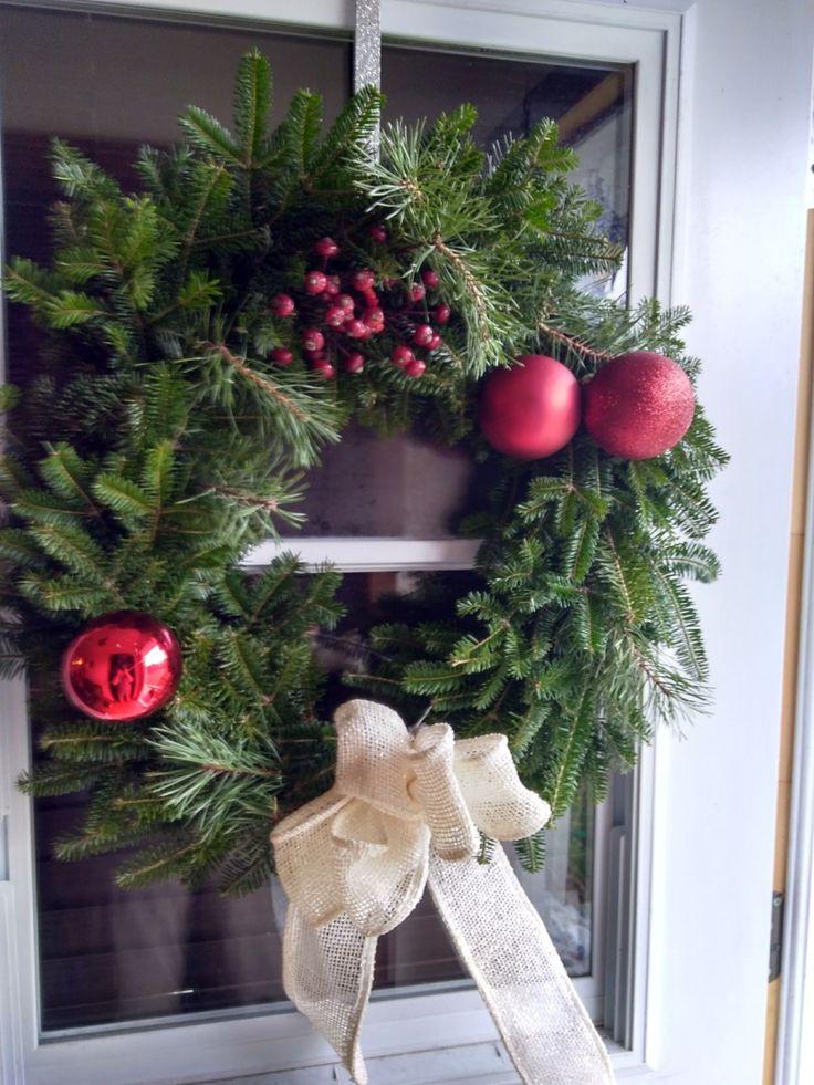Make a Christmas Wreath in an Hour